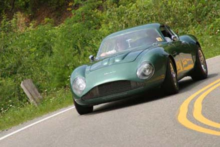 Aston Martin DB4 GT Zagato clone in action on the tail of the dragon